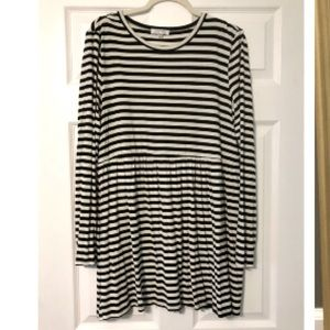 Black & White Striped Long Sleeve Tunic